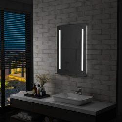 LED-es fürdőszobai falitükör polccal 60 x 80 cm
