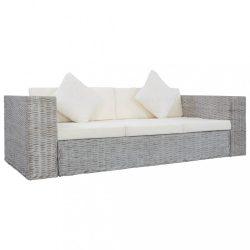 szürke háromszemélyes természetes rattan kanapé párnákkal